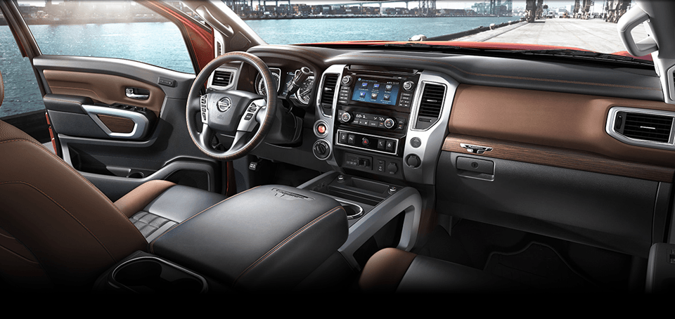 Technology Features and Cabin View of 2017 Nissan Titan in Shelbyville, TN