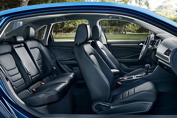 2019 Volkswagen Jetta Interior & Technology Features